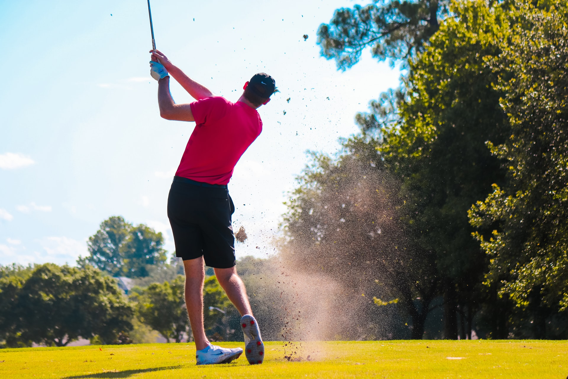 Read more about the article Golf pukeutuminen: Näin pukeudut Golf kentälle